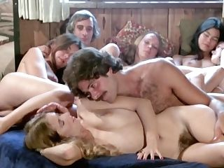 Wonderful Retro Sexy Hoes Are Pleasing Old-school Gonzo Fuck