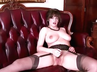 Big Natural Tits Brown-haired Masturbates In Retro Nylons Garters High High-heeled Shoes