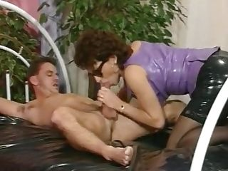 Antique Mummy In Sunglasses Blows Thick Dick Of Naked Stud
